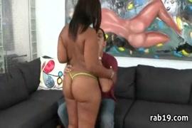 Big booty ebony slut fucked hard in hotel and cums hard.